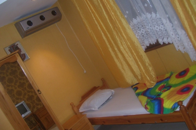 Стая за трима в Созопол,къща за гости Деница