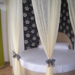 Апартамент-Студио за Почивка в Созопол, кръгла спалня