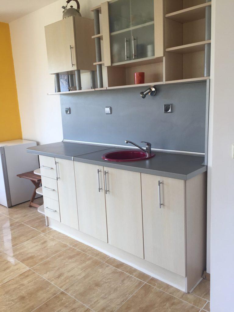 "Апартамент под наем в Созопол вила ""Sunny Hills""2 голямо общо помещение хол и кухня"