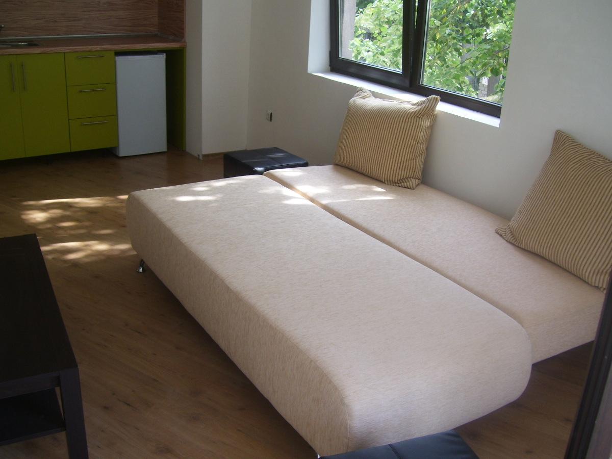 Студио в Созопол,разтегателен диван